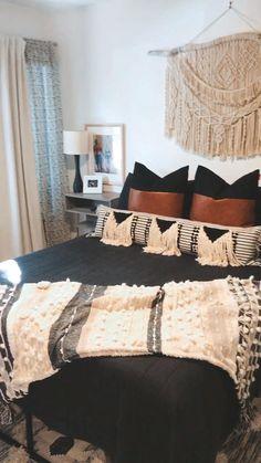 Black Master Bedroom, Black White Bedrooms, Black Bedroom Decor, Black Bedroom Furniture, Master Bedroom Design, Home Decor Bedroom, Black Bedroom Walls, Bohemian Bedroom Diy, Black Bedroom Design
