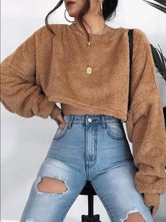 Brown Crew Neck Long Sleeve Women Crop Sweatshirt - Ropa Tutorial and Ideas Mode Outfits, Trendy Outfits, Fall Outfits, Modern Fashion Outfits, Hipster Outfits, Classy Outfits, Simple Winter Outfits, Winter Outfits Tumblr, Tumblr Outfits