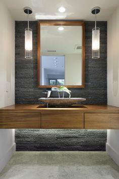 luminaire-salle-de-bain-lampe-plafond-forme-arrondie-vasque-bois-miroir-rectangulaire