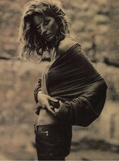 36 Sepia-Toned Photography Finds - From Ethereal Punk Editorials to Dusty Southern Shoots (TOPLIST)