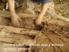 Mueblesdepalets.net: Casa hecha con palets en Chile Chile, Wood, Pallets, Cob Houses, Cottage, Home, Cob Home, Woodwind Instrument, Timber Wood