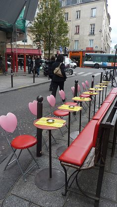 Cafe´ and romantic heart chairs.
