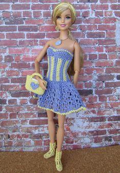 Barbie Clothes Patterns, Crochet Barbie Clothes, Clothing Patterns, Barbie Fashionista Dolls, Barbie Dolls, Barbie Accessories, Crochet Accessories, Crochet Doll Pattern, Crochet Dolls
