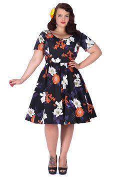 Das atemberaubende Phoebe Kleid aus der Lady Voluptuous Kollektion wurde von Georgina Horne von  www.fullerfigurefullerbust.com  entworfen.          Dieses Kleid ist im typischen 1950 Stil gehalten: mit schmeichelndem...