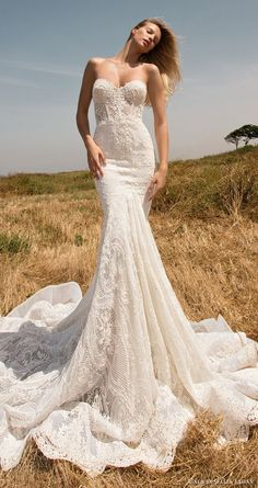 GALA by GALIA LAHAV spring 2017 strapless sweetheart lace mermaid wedding dress / http://www.himisspuff.com/sweetheart-wedding-dresses/10/