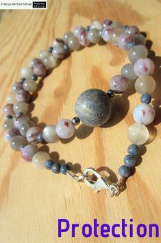 * blaue KORALLE AURALITH MONDSTEIN KETTE blue Coral Auralite Moonstone Necklace* Beaded Bracelets, Necklaces, Healing, Gemstones, Jewelry, Blue, Jewels, Pearl Bracelets, Chain