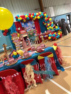 Party, circus carnival party, carnival themed party, carnival birthday part Carnival Baby Showers, Circus Carnival Party, Circus Theme Party, Carnival Themes, Circus Candy Buffet, Circus Food, Circus Cakes, Circus Wedding, Carnival Costumes