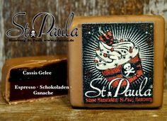 Lecker! St. Paulas Kiezschnitte: Handgemachte XL Praline mit Espresso - Schokoladen - Ganache auf Cassis Gelee.  www.st-paula.de