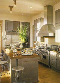 Cool grey kitchen. (Veranda)