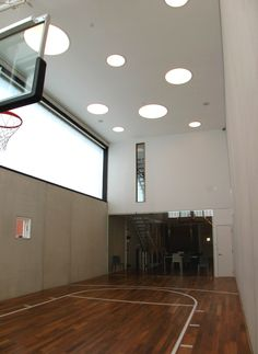 Indoor sport court © Bob Brobson inc Chicago