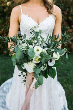 Beautiful winged out bouquet. 04.29.2017 :: Catherine+Tim   Cedarwood Weddings