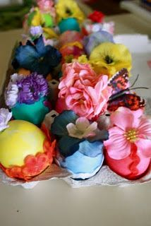 Next Easter I'm doing this. But I'm going to spray the carton a pastel color. Blue, green, pink...what have you....and there may be some jewels involved.