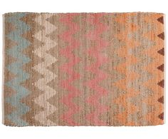 Ein Mix aus Baumwolle und Jute machen dieses Modell zu Ihrem neuen Lieblingsbegleiter: Teppich SMOOTH COMFORT von Tom Tailor ist genau das! Ein sanfter, komfortabler Teppich, der mit seinem bunten Zick-Zack-Muster auch optisch eine gute Figur macht. Was können Sie sich mehr wünschen?
