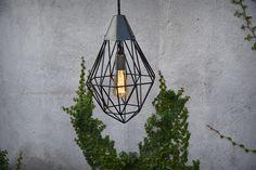 Geometric metal ceiling lamp.