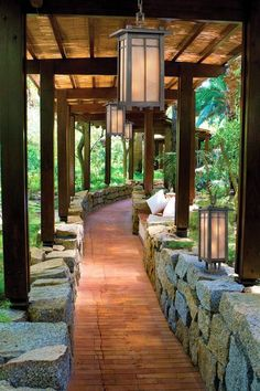 Don't be tempted to overspend when creating the perfect outdoor space. The large backyard landscaping ideas can get costly quickly if you're not careful. Backyard Patio, Backyard Landscaping, Walkway Garden, Backyard Storage, Stone Walkway, Garden Edging Ideas Cheap, My Dream Home, Exterior Design, Future House