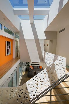 Modern Residence / This modern dream home designed by Studio 27 is located in a quite area in Arlington VA, close to Washington DC.
