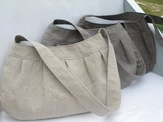 Buttercup Bag -- free pattern from http://www.made-by-rae.com/2009/02/free-buttercup-bag-sewing-pattern/
