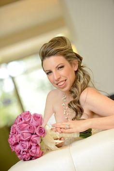 צילום חתונה | צלם לחתונה Event Photography, Bar Mitzvah, Professional Photographer, Flower Girl Dresses, Events, Wedding Dresses, Fashion, Bride Dresses, Moda