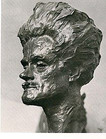 TIL Hugh MacDiarmid was kicked out of the Scottish National Party for being a Communist and was kicked out of the Communist Party for being a Scottish Nationalist William Lamb, Twitter Trending, Glasgow, Poet, Celebrity News, Sculpting, Kicks, Statue, Celebrities