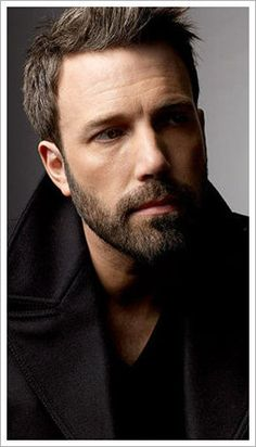 Ben Affleck- he's looking hot these days! Last night at the Globes, so hot!