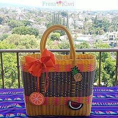 Mira nuestra nueva colección de bolsas artesanales Fresa Kiwi... Te va encantar