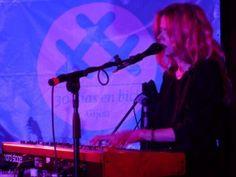 actuacion de Christina Rosenvinge en el gijon sound festival gijon