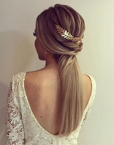 Wedding Invited Hairstyle I Top 18 Simple and Chic Wedding Hairstyles to Adopt - Morgane Lr' - - Coiffure mariage invitée I Top 18 coiffures mariage simple et chic à adopter свадебные прически - Chic Hairstyles, Ponytail Hairstyles, Bride Hairstyles, Party Hairstyle, Hairstyle Wedding, Wedding Hair And Makeup, Bridal Hair, Bridesmaid Hair Updo, Simple Bridesmaid Hair