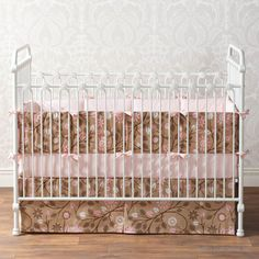 Crushing on the iron crib trend? If you want a true heirloom look in your nursery, you should opt for an iron crib. Nursery Room, Girl Nursery, Girl Room, Nursery Decor, Nursery Inspiration, Nursery Ideas, Project Nursery, White Baby Cribs, Iron Crib