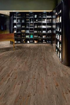 Vinylová podlaha Expona, dekor dubové dřevo, středně hnědá. / Expona vinyl floor, oak wood design, medium brown. Luxury Vinyl Tile Flooring, Wall Cladding, Commercial Interiors, Tiles, Photo Wall, Wood, Design, Home Decor, Brown