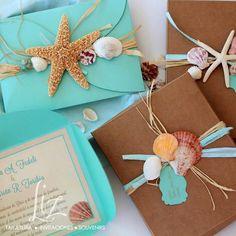 """¿Qué puede ser más romántico que jurarse amor eterno a orillas del océano, en un hermoso atardecer? Ariela + Adrián, rodeados de un paraíso tropical, darán el """"SÍ, Acepto!!"""" :-D / invitaciones de boda en la  playa / beach wedding invitations / hand made / seashell / starfish / caracoles / estrella de mar / conchas / aquamarine / blue / tiffany blue"""