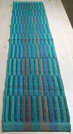 Kaitaliina, turkoosi - Monk's belt in two blocks with luscious colors