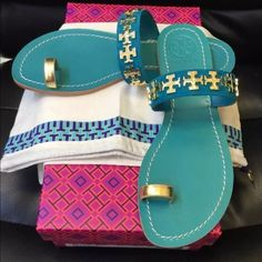❤️ GORGEOUS TORY BURCH FLIP FLOPS VAL NIB $295 NIB TORY BURCH VAL FLAT LEATHER SANDAL FLIP FLOP AQUARIUS GOLD SIZE 8  THESE ARE SO GORGEOUS AND SOLD OUT ALL OVER!   Retail is $295 plus tax! Tory Burch Shoes