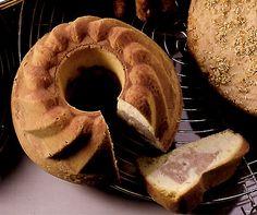 Marroni-Gugelhopf Brownie Cake, Brownies, Köstliche Desserts, Chef Recipes, Cake Cookies, Bagel, Camembert Cheese, Goodies, Food And Drink