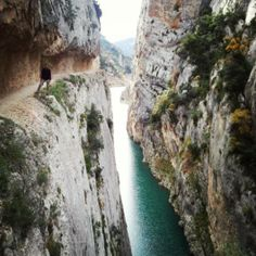 The Congost de Montrebei is the border between Catalonia and Aragon. This path is very scenic but also a bit scary!