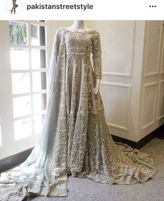 Choosing Wedding Entertainment And What To Look For. Weddings are cherished events that are made into memories for all the family and friends involved. Asian Bridal Dresses, Asian Wedding Dress, Pakistani Wedding Outfits, Pakistani Bridal Dresses, Pakistani Wedding Dresses, Bridal Outfits, Indian Dresses, Indian Outfits, Pakistani Couture