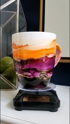 Alcohol Ink Tiles, Alcohol Ink Crafts, Alcohol Ink Painting, Hand Painted Mugs, Painted Cups, Ceramic Coasters, Ceramic Pots, Diy Mugs, Diy Resin Art