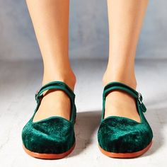UO Velvet Mary Janes These are so adorable. Worn only once. From urban outfitters. Urban Outfitters Shoes Flats & Loafers