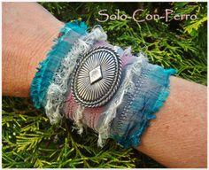 FLAITH - Armband Upcycling von °Solo-Con-Perro° http://de.dawanda.com/shop/Solo-Con-Perro