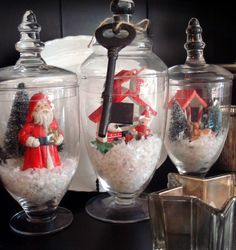 STARSHINE CHIC decorating on a dime or even less: Christmas
