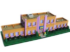 LEGO enthusiast Matt De Lanoy has recreated the entire town of Springfield from The Simpsons using LEGO parts. Lego Simpsons, All Lego, Lego For Kids, Design Lego, Modular Design, Lego Memes, Minecraft, Lego Display, Toy House