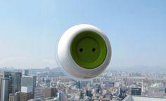 """Plugue"" de janela capta energia solar para recarregar itens eletrônicos"