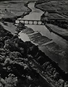 René Zuber, Seine river, France, 1933 French Photographers, Potpourri, City Photo, Art Photography, France, River, Architecture, Artist, Painting