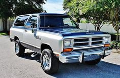 1988 Dodge Ramcharger Custom S Cold Air 1988 Dodge Ramcharger Custom S Cold Air Conditioning Old Dodge Trucks, Old Pickup Trucks, New Trucks, Ford Trucks, Dakota Truck, Dodge Dakota, Ram Power Wagon, Charger Srt8, Dodge Ramcharger