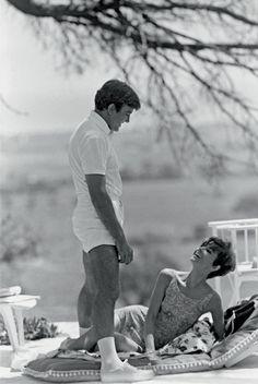 """Albert Finney y Audrey Hepburn en """"Dos en la carretera"""", foto de Terry O'Neill, 1967"""