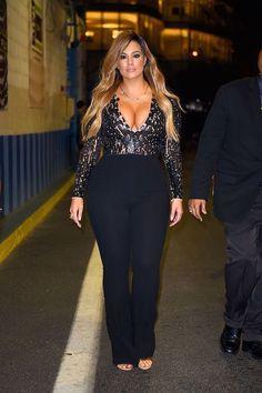 Ashley graham curvy women fashion, curvy girl fashion, plus size fashion, love fashion Looks Plus Size, Look Plus, Plus Size Model, Fashion Moda, Look Fashion, Fashion Outfits, Fashion Ideas, Suit Fashion, Fashion Boots