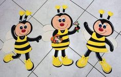 Bee Crafts, Diy And Crafts, Paper Crafts, Bee Template, Foam Sheet Crafts, Happy Birthday Cake Pictures, Cartoon Bee, Christmas Window Decorations, Bee Party