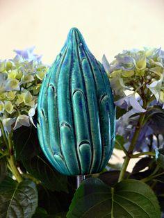"""Pflanzen- & Gartenstecker - Gartenstecker dicke blaugrüne """"Knospe"""" - ein Designerstück von Brigitte_Peglow bei DaWanda"""