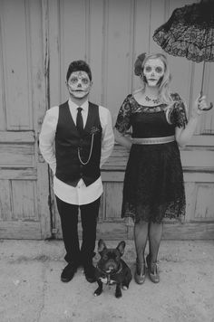 #DayoftheDeadWedding #DiadelosMuertosWedding #FrenchBulldog #Frenchie #DayoftheDeadEngagementPhotos Photo By Up in the Sycamore {photography}