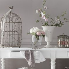 Cages and flowers make it luscious and vintage