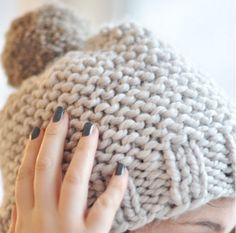 C'est relaxant tricoter, n'est-ce pas? Quoi? Comment? Vous trouver ça long ! Bon alors voici pour VOUS:Création de Julypouce Tricote, ce patron très simple est